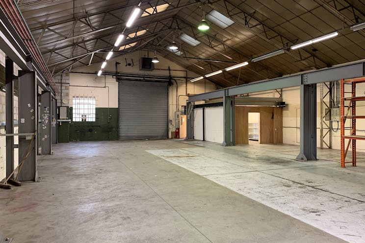 Unit 40d Holmethorpe Avenue, Redhill, Warehouse & Industrial To Let / For Sale - IMG_0186.jpg