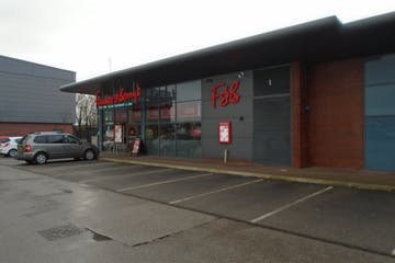 The Loom, Unit 4, Leigh, Retail To Let - DSC01983.jpg