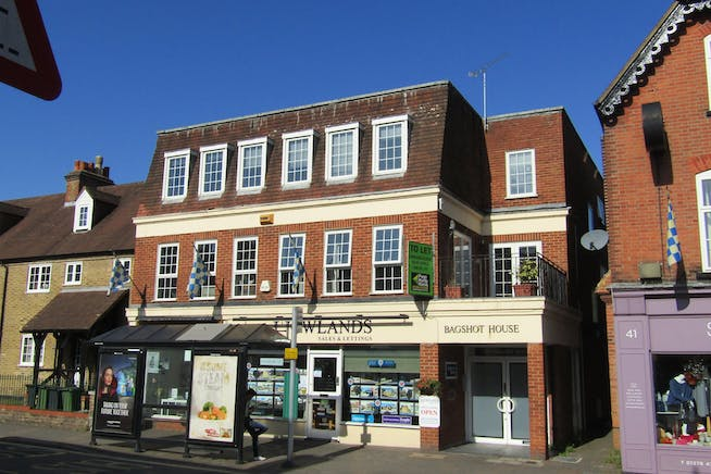 First Floor Front, Bagshot House, Bagshot, Offices To Let - IMG_1171.JPG