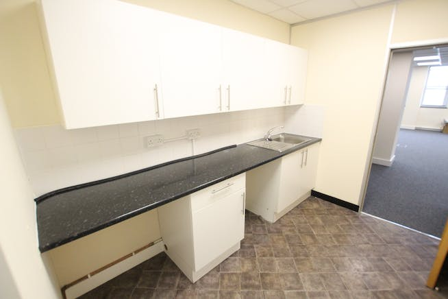 Suite 5B, Westmead House, Farnborough, Offices To Let - IMG_1955.JPG