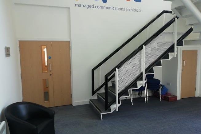 Unit 3, E-Centre, Bracknell, Offices To Let - IMG_20200623_142239_resized_20200625_022448304.jpg