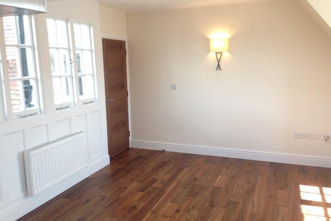 Flat 3, Market Square, 8 Market Square, Westerham, Residential To Let - IMG_1373.JPG