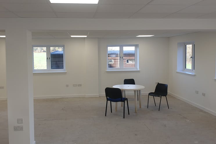 Kings Court, Burrows Lane, Gomshall, Offices To Let / For Sale - 20210205_102002.jpg