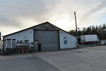 Unit 1, Thurley Business Units, Reading, Industrial To Let - Thurley extrerna.jpg