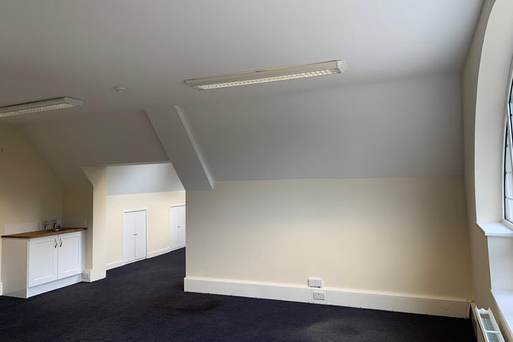 Locke King House, Balfour Road, Weybridge, Offices To Let - IMG-3890.JPG