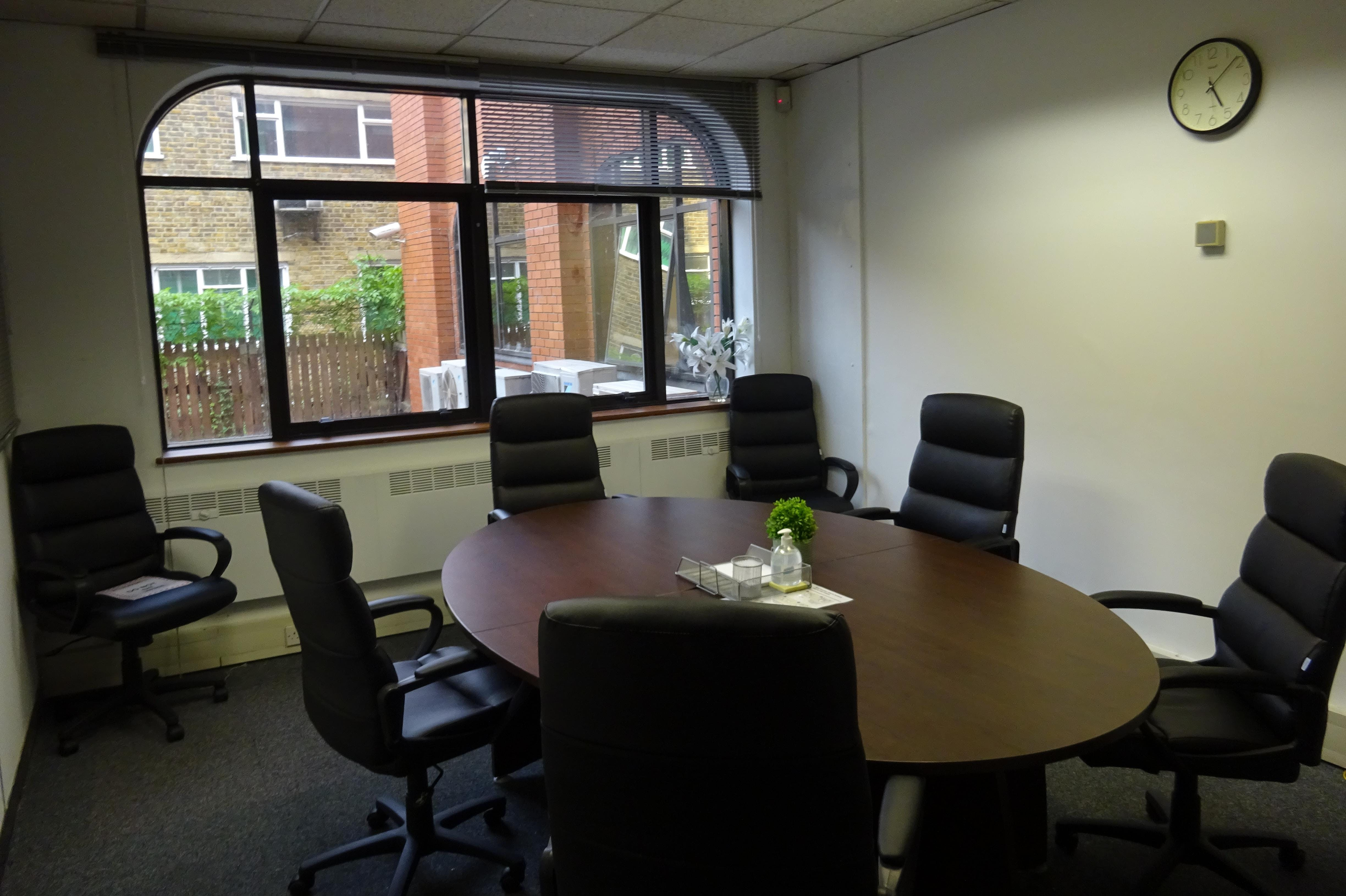 Queens Court, 9-17 Eastern Road, Romford, Offices To Let - Romford_Office_Renting.JPG