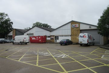 Bays A & B, Unit 1, 111 Chertsey Road, Byfleet, Warehouse & Industrial To Let - IMG_9355.JPG