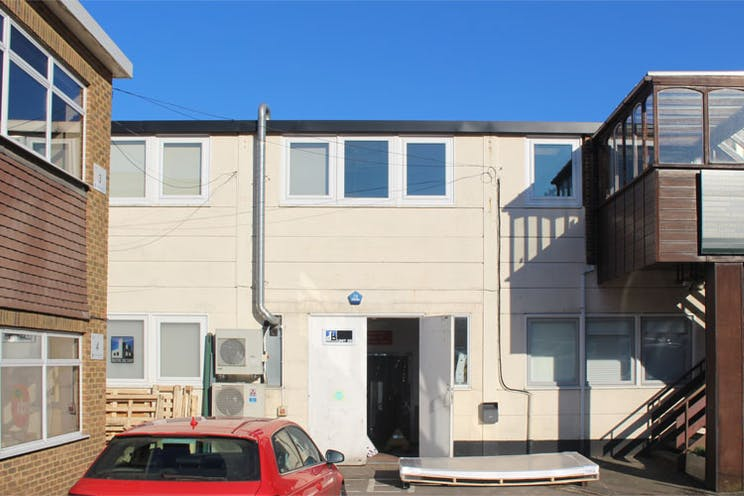 Lansbury Business Estate, Lower Guildford Road, Woking, Offices / Warehouse & Industrial To Let - unit24597800.jpg