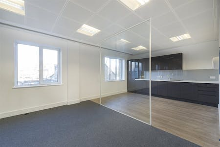 Chiswick Gate, Chiswick, London, Office To Let - 014_Property.jpg