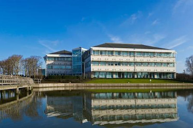 Lakeside House, 1 Furzeground Way, Heathrow, Offices To Let - regus stockley park2.jpg