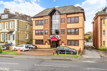 Friendship House, Staines-Upon-Thames, Office To Let - 402464-1c.jpg