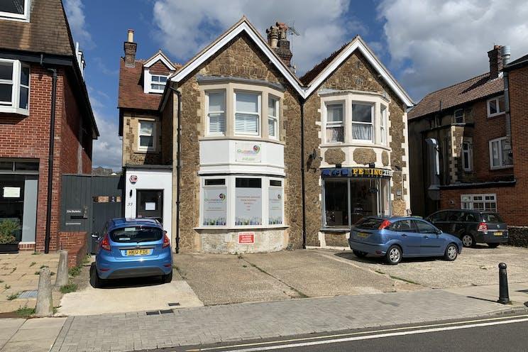33 Lavant Street, Petersfield, Office / Retail To Let - Photo 26082020 14 14 21.jpg