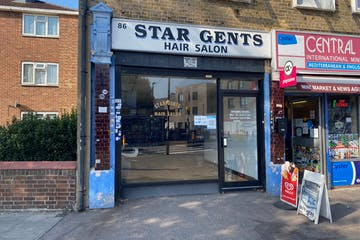 86 High Street South, London, Office / Retail To Let - IMG_2600.jpg