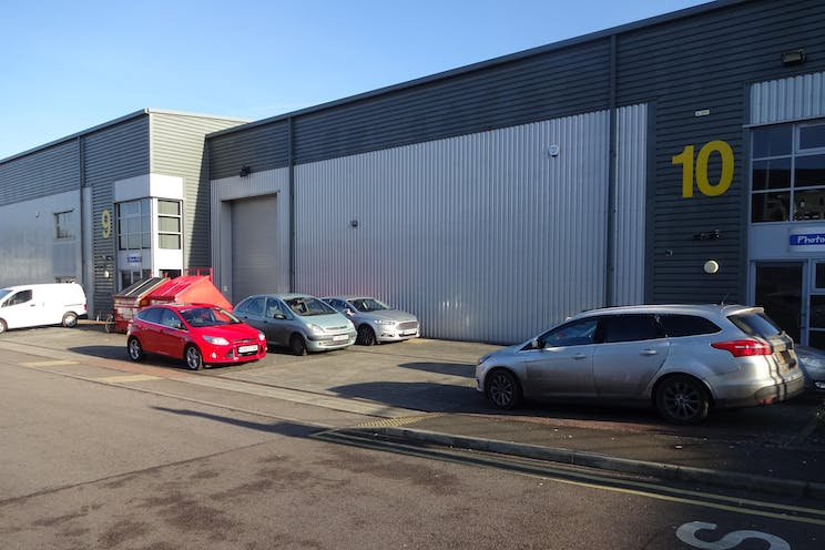 10 IO Centre, Salfords, Warehouse & Industrial To Let - DSC01372.JPG