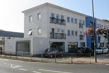 Unit C Auckland House, New Zealand Avenue, Walton On Thames, Retail To Let - IMG_2110.JPG