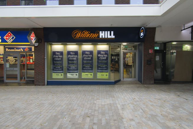 20 High Street, Bracknell, Retail To Let - IMG_1391.JPG