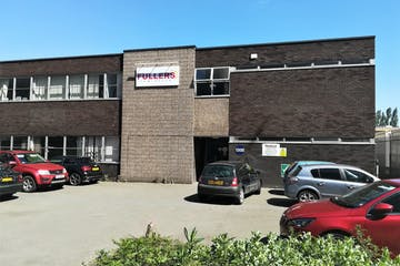 135 Edinburgh Avenue, Slough, Offices To Let - Edinburgh Avenue, Slough SL1