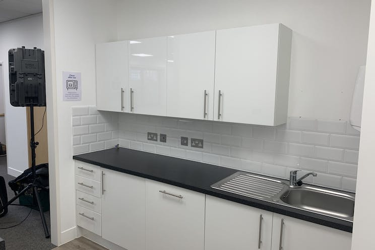 Ground Floor Unit 6 Rotherbrook Court, Petersfield, Office / Business Park To Let - Photo 27092021 11 41 55.jpg