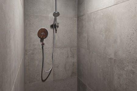 95 Southwark Street, London, Office To Let - Shower