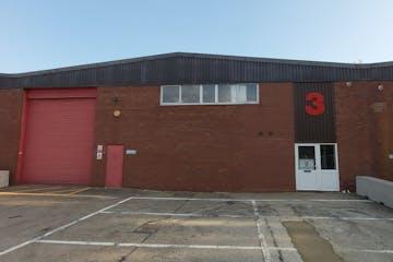 3 Brook Trading Estate, Deadbrook Lane, Aldershot, Warehouse & Industrial To Let - 20210916_165851.jpg