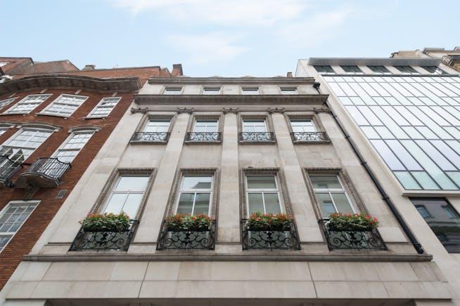 12 Berkeley Street, Mayfair, London, Office To Let - Berkeley Street Mayfair 12.jpg