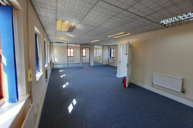 1A London Road, Maidstone, Office To Let - 20210330_113300.jpg