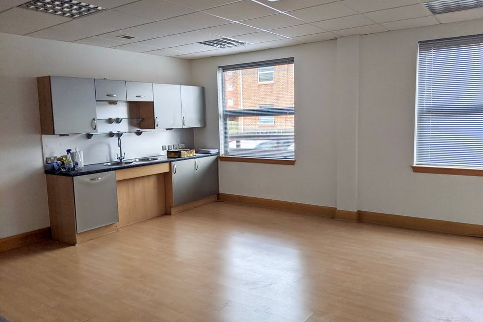 Unit 3 Millars Brook, Wokingham, Offices To Let - IMG_20200113_122031 (1).jpg