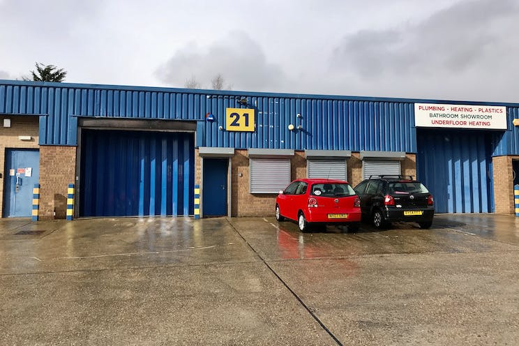 Unit 21 St Georges Industrial Estate, Camberley, Warehouse & Industrial To Let - IMG_4465.jpg