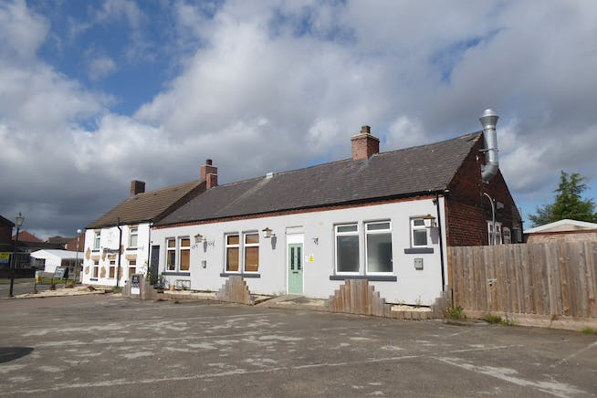 Salvaged Kitchen & Bar/former Crown Inn, Clowne, Restaurant / Development (Land & Buildings) For Sale - P1050048.JPG
