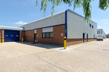 Unit 4, Wokingham, Industrial To Let - StationRdUnit4-1.jpg
