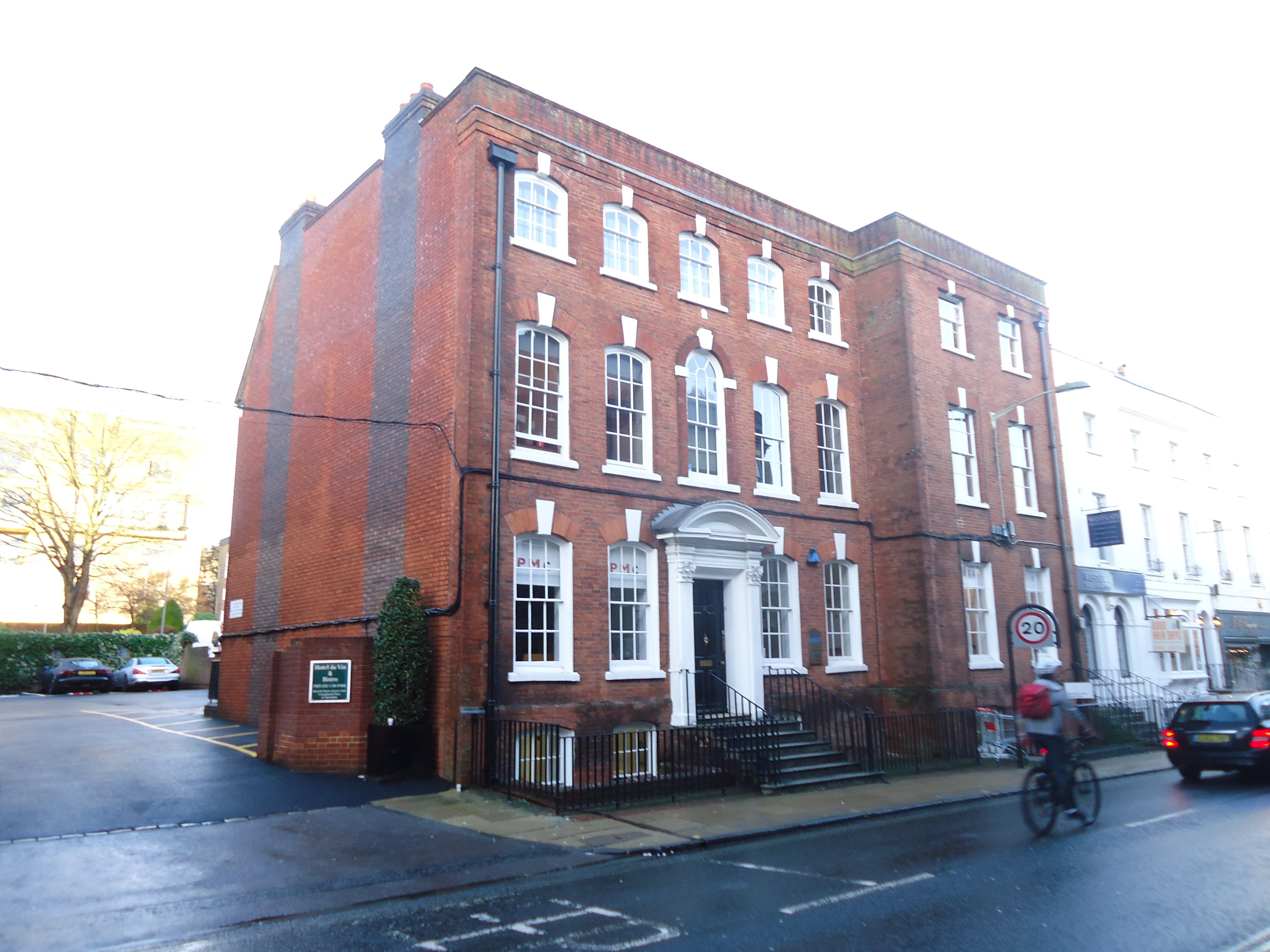 Lower Ground Floor, 12 Southgate Street, Winchester, Offices To Let - Image 1