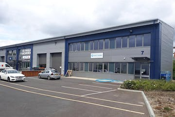 Unit 7 Trade City Bracknell, Western Road, Bracknell, Industrial, Retail To Let - ExternalPhoto-crop.jpg