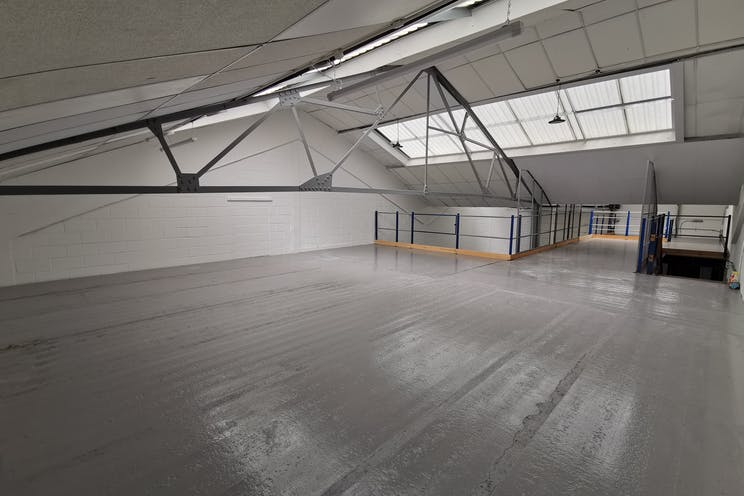 Unit 4, Red Lion Business Park, Surbiton, Warehouse & Industrial To Let - IMG_20200528_103651.jpg