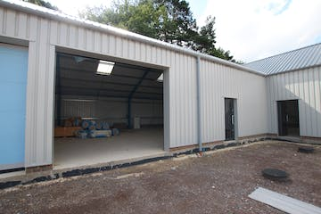 Unit 5, Dracott Park, Normandy, Warehouse & Industrial To Let - IMG_1710.JPG