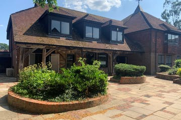4 The Courtyard, Wokingham, Offices To Let - 3.jpg