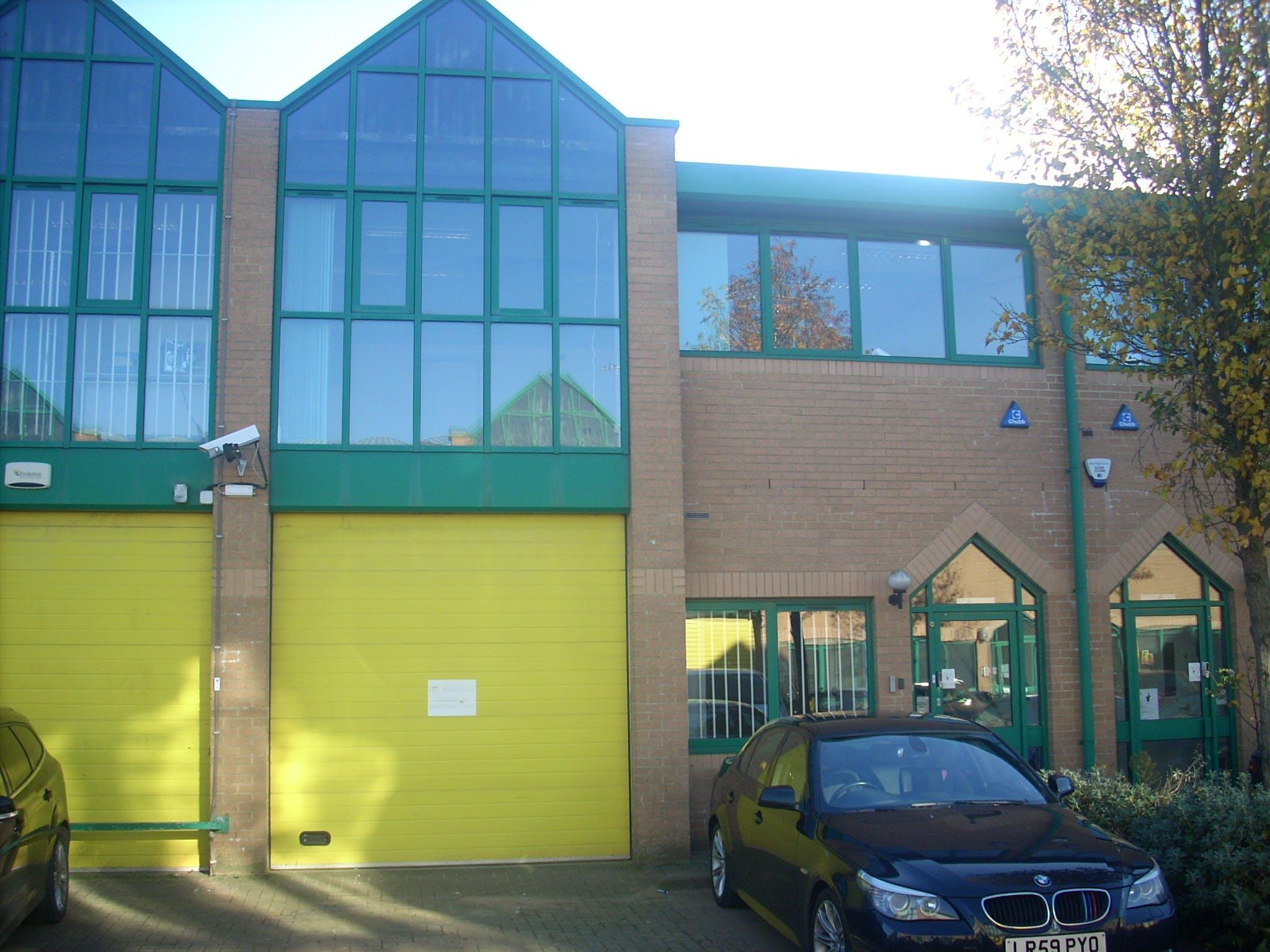 Unit 3, Brickfields Industrial Park, Kiln Lane, Bracknell, Industrial To Let - DSCN5628.JPG