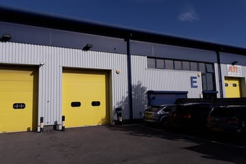 Unit E, OYO Business Units, Portsmouth, Industrial To Let - Main image.jpg