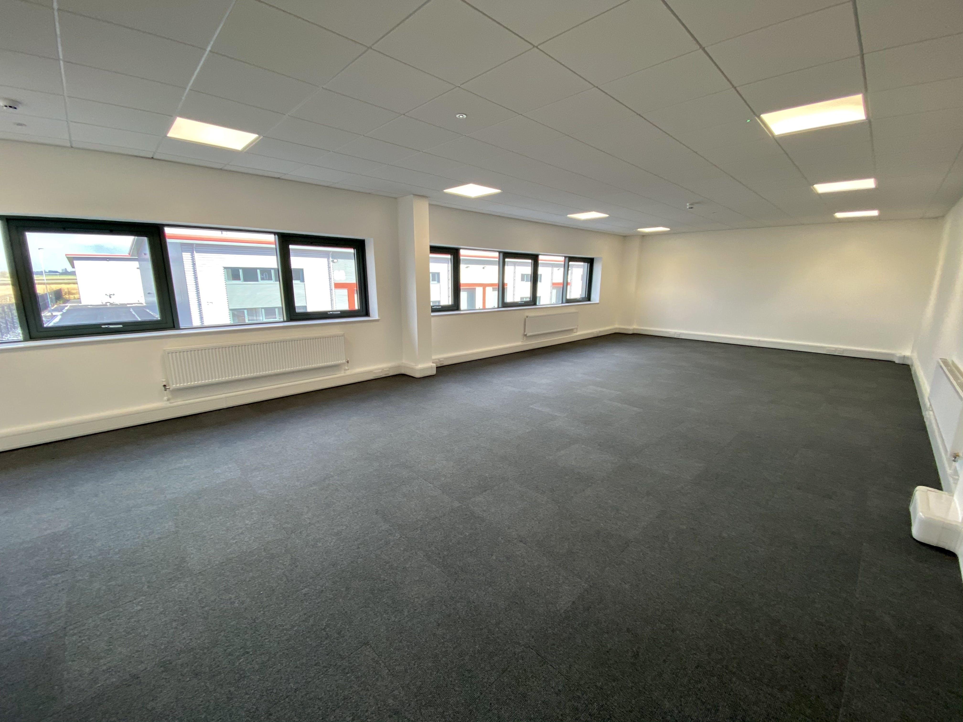 Unit 4, Tavis House Business Centre, Haddenham, Industrial To Let - UNIT 4 OFFICE.JPG