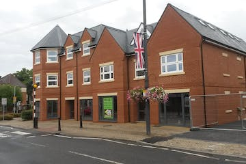 1 High Street, Crowthorne, Retail To Let - 20180816_132904.jpg