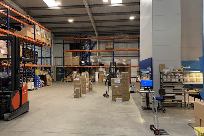 Unit 2 Phoenix Park, Unit 2 Phoenix Park, Staples Corner, Industrial To Let - Unit 2 Phoenix  18.JPEG