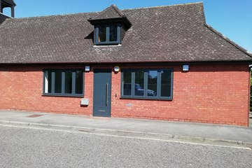 4 Boston Drive, Bourne End, Offices To Let - IMG_20200625_100729 002.jpg