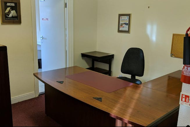 Dudley House, Kings Road, Fleet, Offices To Let - IMG-20181109-WA0010.jpg