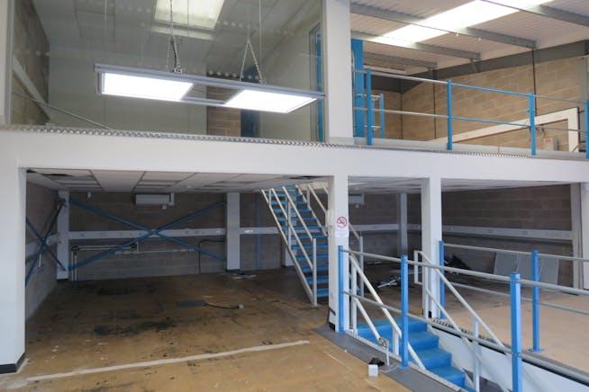 Unit 9 Hercules Way, Farnborough, Warehouse & Industrial To Let - IMG_0843.JPG