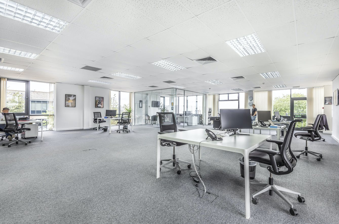 Monarch House, Egham, Office To Let - Monarch House 7.jpg
