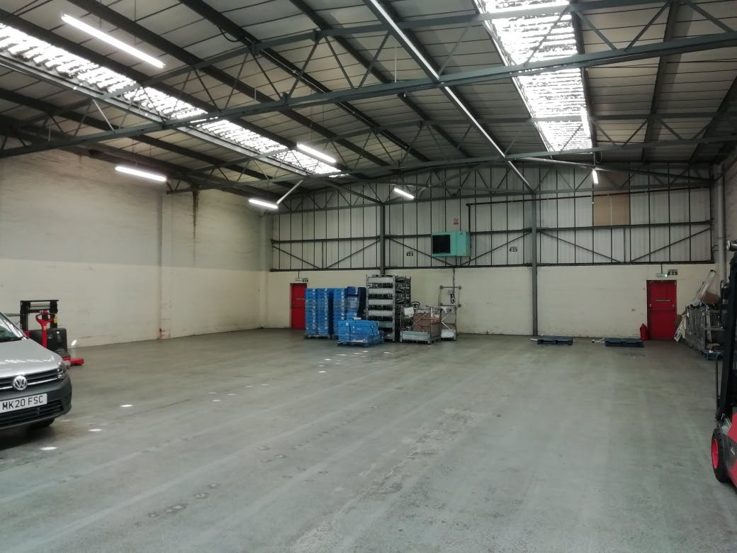 Unit 3, Bilton Industrial Estate, Bracknell, Industrial To Let - IMG_20200625_093232_resized_20200625_022237091.jpg
