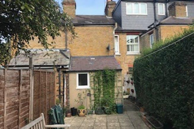 3 Waverley Road, Weybridge, Investments For Sale - IMG_6462 002.jpg