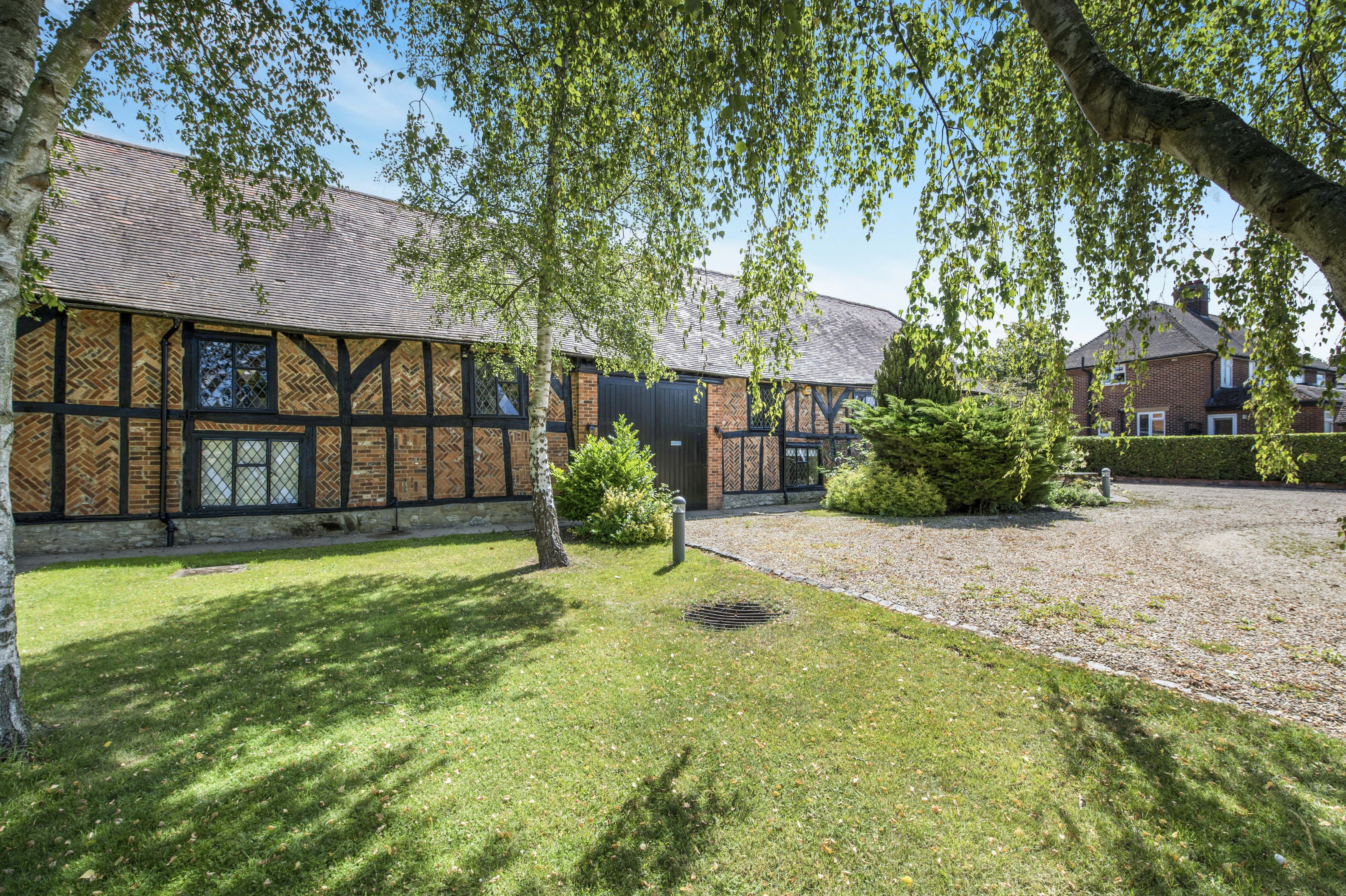 Tithe Barn Church Road, Thame, Office / Residential / Investment To Let - EXTERNAL : GARDEN.jpg