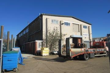 Ground Floor Storage Unit, 6 Manor Way, Woking, Warehouse & Industrial To Let - IMG_9007.JPG