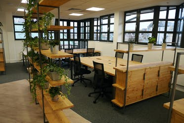 SO Fourteen, Woollen Hall, Southampton, Offices To Let - FixedDeskarea21920x1200.jpg - More details and enquiries about this property