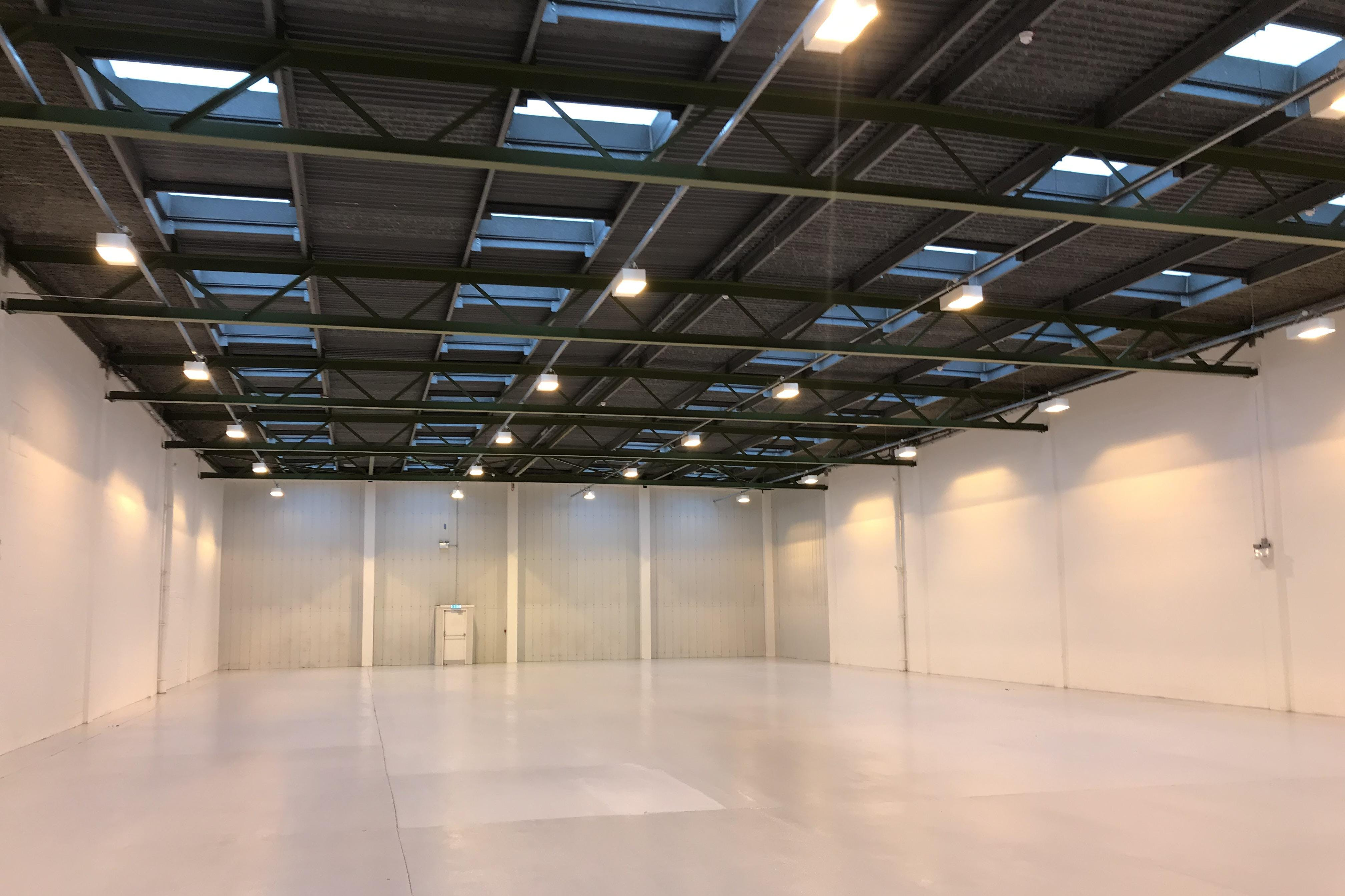 Units 21 & 22 Admiralty Park, Admiralty Way, Camberley, Warehouse & Industrial To Let - Internal unit 10_.JPG